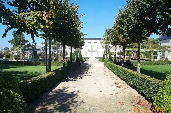 ChateauDeLaBaliniere01