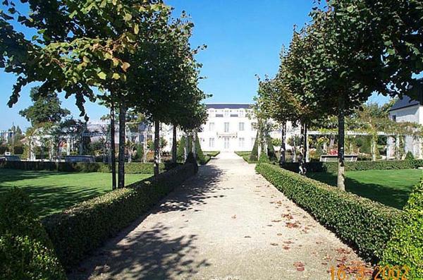 ChateauDeLaBaliniere02